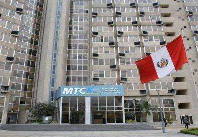 Alonso Segura se enfrenta a ministro Giuffra por presupuesto del MTC