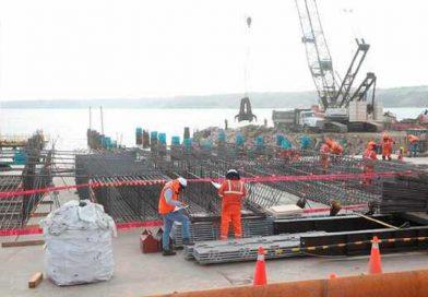 Titular del MTC inspeccionó obras de ampliación del muelle marginal en el Terminal Portuario de Paita