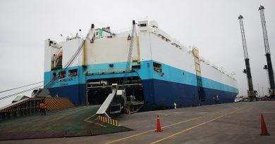 AGUNSA agencio Nave que descargo la cantidad de vehículos más grande en  la historia del Perú